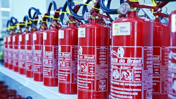 Extintores da Zeus do Brasil.