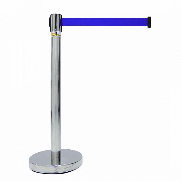 Pedestal organizador de filas cromado com fita retrátil azul - Zeus do Brasil