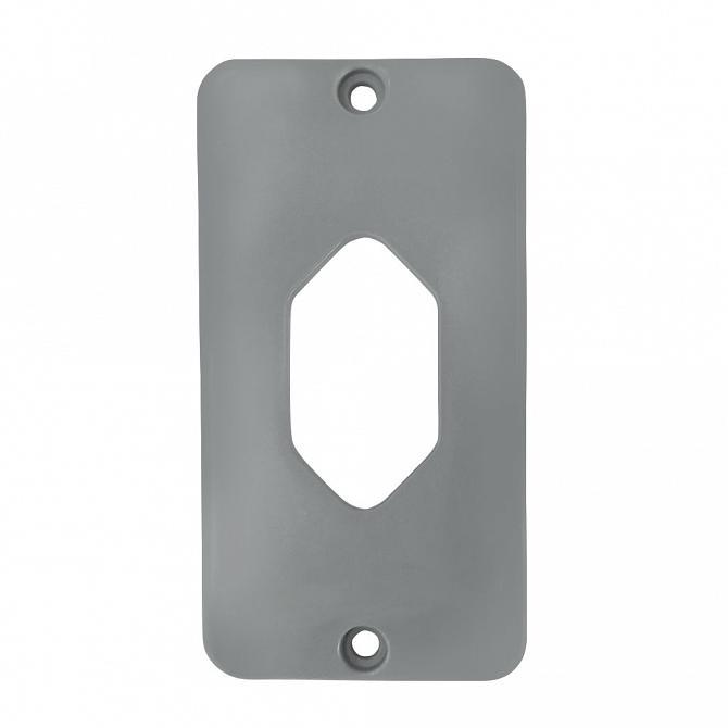 Tampa tomada hexagonal vertical PVC cinza para caixa 5 entradas 1/2